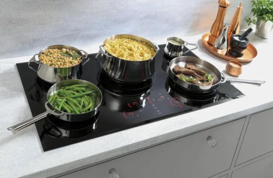Café electric cooktop with every burner full