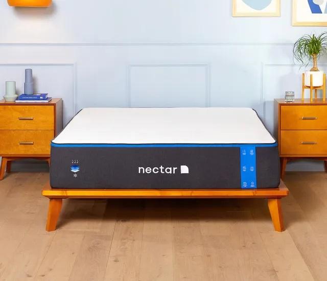 Front view of Nectar Nectar3.0-Q memory foam mattress