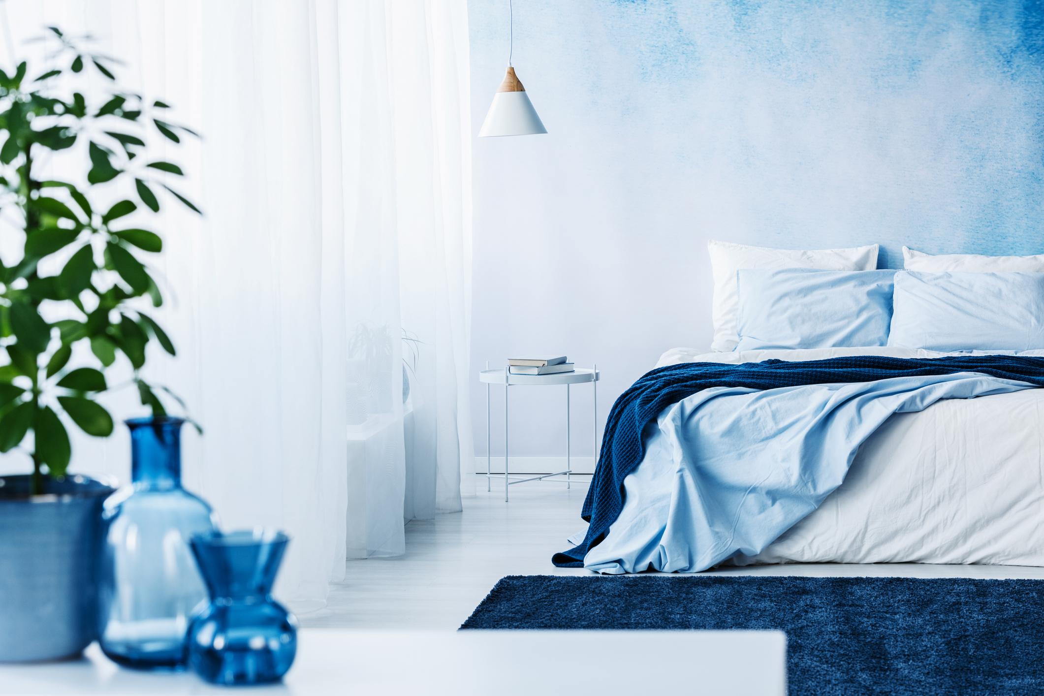 calming blue bedroom