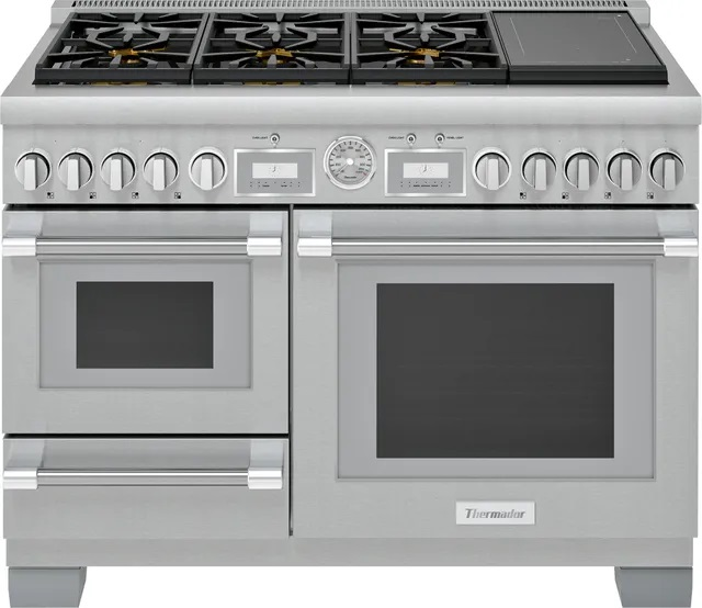 Front view of Thermador 48 in professional dual fuel range.