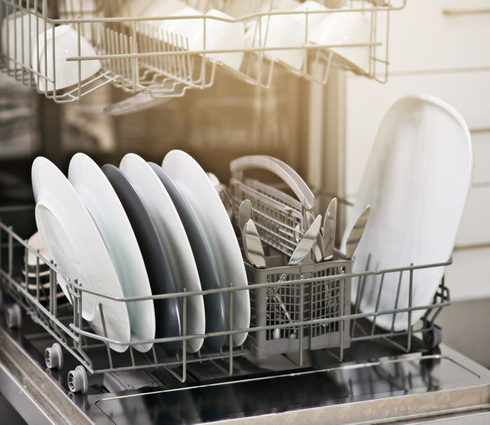 Tips on How to Clean a Dishwasher