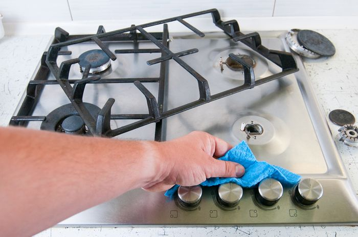 Tips and Tricks to Make Cleaning Your Cooktop a Breeze