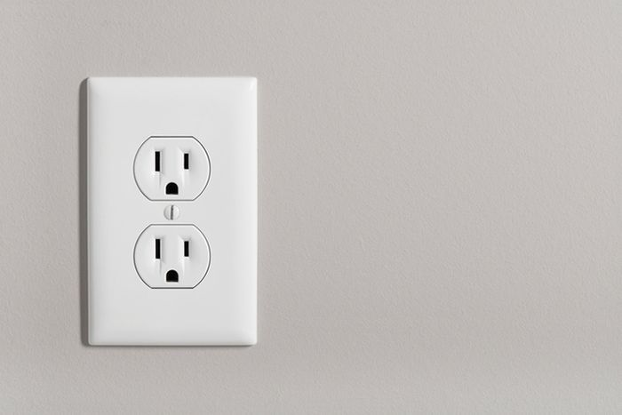 Learn the Difference Between 3 and 4 Slot Dryer Outlets