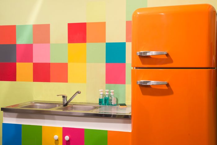 How to Paint Your Refrigerator So It Looks New