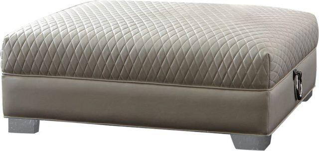 Coaster® Chaviano Pearl White Ottoman-505394