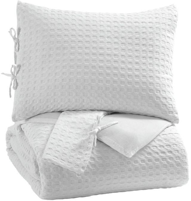 Signature Design by Ashley® Maurilio 3-Piece White King Comforter Set-Q781003K
