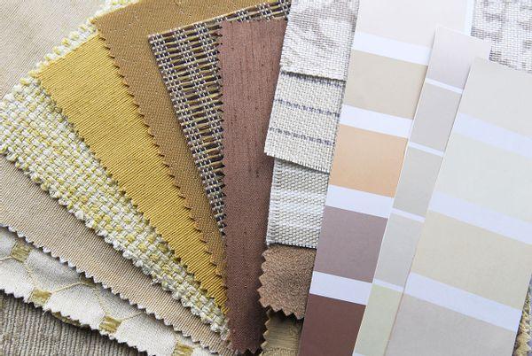 échantillons de tissus et de couleurs